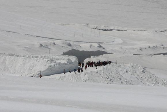 IMG_7679 雪の壁 b.jpg