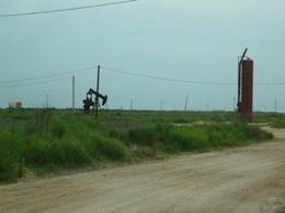 P1010977 s 石油.jpg